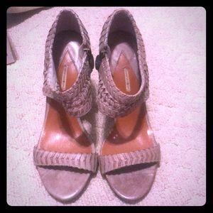 Max studio shoes size 6 1/2